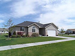 home, idaho falls, idaho, vaulted ceilings, basement, storage, landscaped, yard, schools, property, restaurants, shopping,