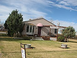 homes, Opheim, Montana, glasgow, large, family, garage, paved drive, landscaped, huge side yard, for sale