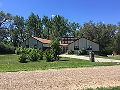 home, for sale, acre, galsgow, montana, attached garage, barn, river bottom land, fort peck lake,  for sale