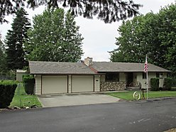 St.Maries, Idaho, Rancher, Full Basement, new shop, chain link fence, turn key