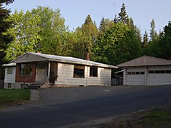 Home For Sale, St. Maries, Idaho, Mountain Views, 2 car garage, remodeled kitchen, for sale